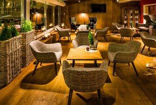 Foto HOTEL ALPENROYAL SPORT di SELVA DI VAL GARDENA