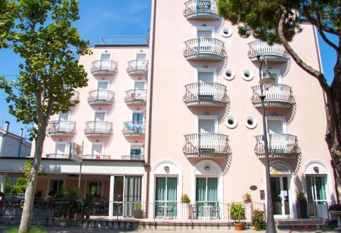 Foto HOTEL LAURA  di CESENATICO