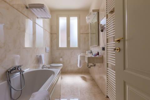 Foto HOTEL CASTELLO di MODENA