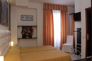 Foto HOTEL PERUGINO di MILANO