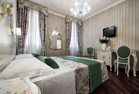 Picture of HOTEL ANTICA LOCANDA AL GAMBERO of VENEZIA