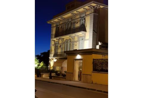 Foto HOTEL  VILLA TRAIANO di BENEVENTO