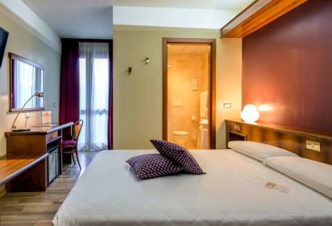 Photo HOTEL  LA VILLA  a IVREA
