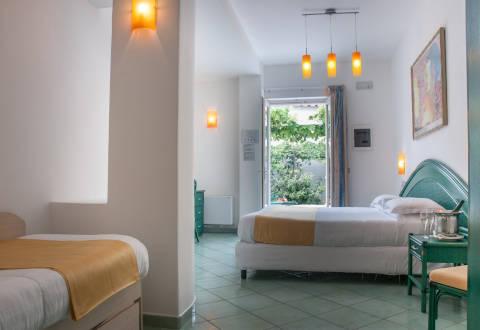 Foto HOTEL PARK  & TERME ROMANTICA di SERRARA FONTANA
