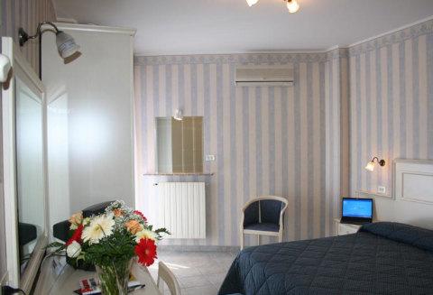 Foto HOTEL RIVIERA di PORTO SAN GIORGIO