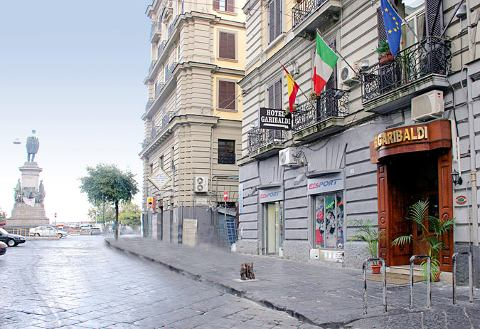 Foto HOTEL GARIBALDI di NAPOLI