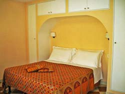BED & BREAKFAST APPARTAMENTI VILLA OLANDA - foto 16 (Junior Suite - Camera)