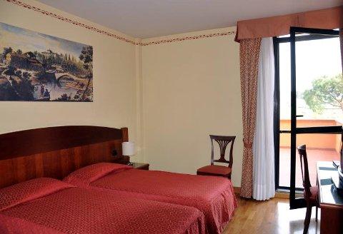 Foto HOTEL HERMITAGE di POGGIO A CAIANO