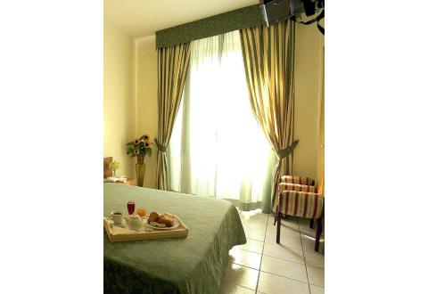 Foto HOTEL 22 MARZO di MILANO