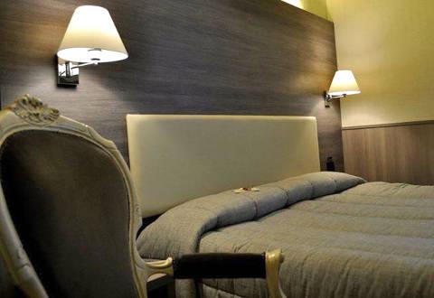 Foto HOTEL EST di PIOMBINO