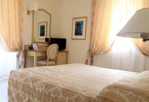 Foto HOTEL ENA  di ARENZANO
