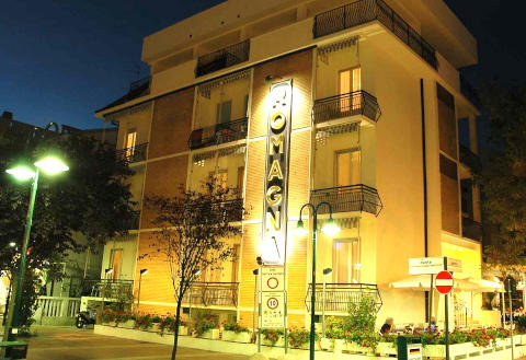Photo HOTEL  ROMAGNA a CATTOLICA