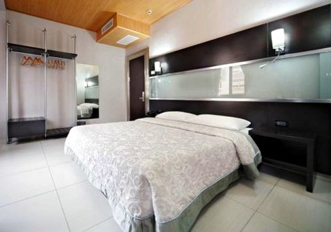 Photo HOTEL  BOLZANO a MILANO