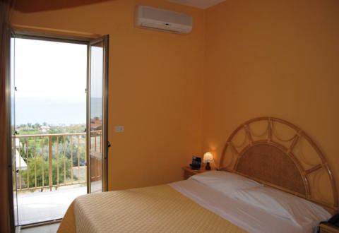 Foto HOTEL  LA PRAIA di ZAMBRONE