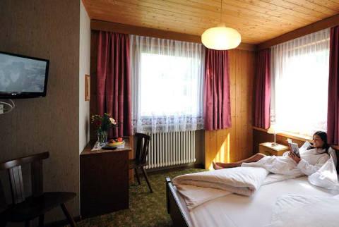 Foto HOTEL GARNÌ ERNA MOUNTAIN B&B di SAN VIGILIO