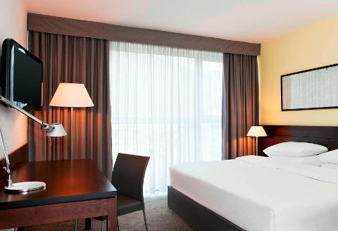 Foto HOTEL FOUR POINTS SHERATON  di BOLZANO