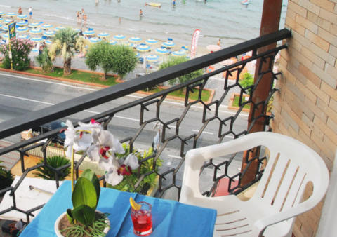 Foto HOTEL AQUILIA di LAIGUEGLIA