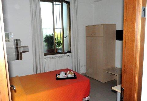 Foto B&B MARINETTA BED & BREAKFAST di SIGNA