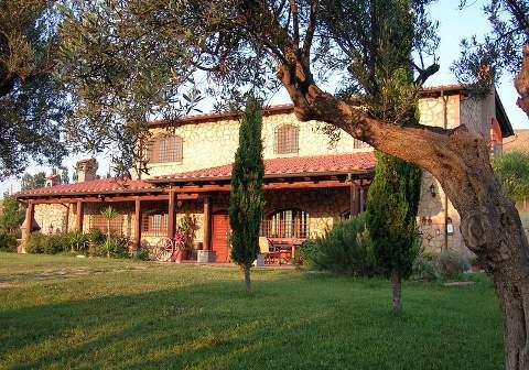 Foto CASA VACANZE CASALE FARNESIANA COUNTRY HOUSE di TARQUINIA
