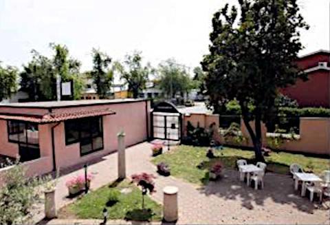 Foto HOTEL VECCHIO CONVENTO di BAREGGIO