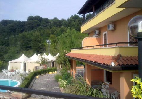 Fotos HOTEL PARADISO COUNTRY HOUSE von PESCARA