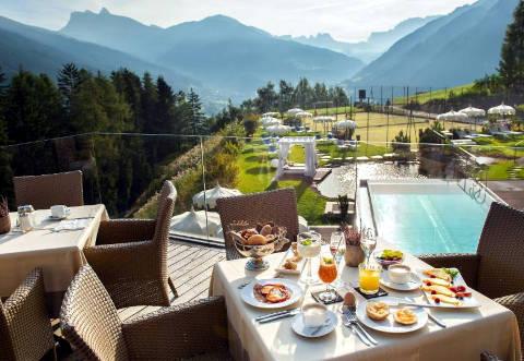 Foto HOTEL SPA RESORT ALBION di ORTISEI