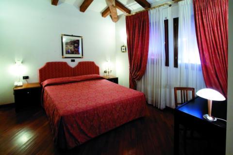 Foto HOTEL  ALLA ROCCA - PREMIER S di BAZZANO