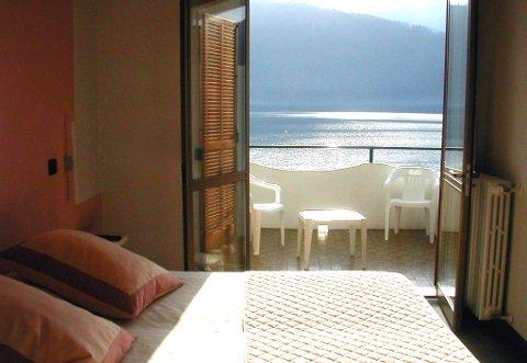 Photo HOTEL  RIVIERA a PETTENASCO