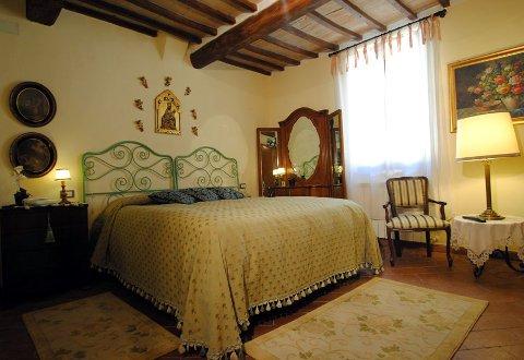 Foto HOTEL TORRE SANGIOVANNI B&B E RISTORANTE di TODI