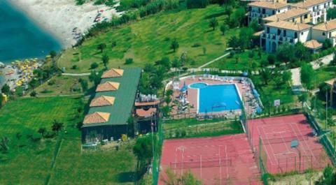 Foto VILLAGGIO HOTEL  BAIA DELLA ROCCHETTA di BRIATICO