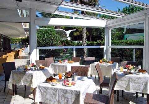 Foto HOTEL  SPORTING di ALBA ADRIATICA