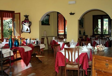 Photo HOTEL ALBERGO BELLAVISTA a LAMPORECCHIO