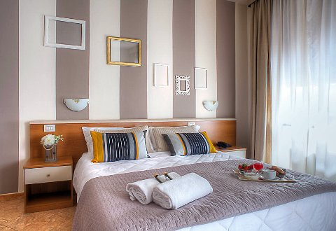 Photo HOTEL ARES  a MILANO