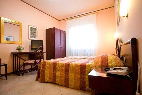 Fotos HOTEL  VILLA DELLE ROSE von ORISTANO