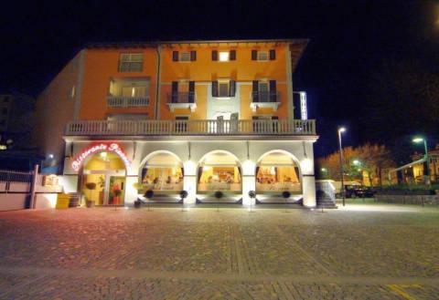 Foto HOTEL  BERNINA di TIRANO