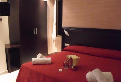 Foto HOTEL  RISTORANTE LA ROSETTA di SCAURI