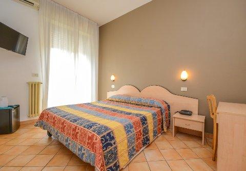 Foto HOTEL  RISTORANTE RIEL di SIRMIONE
