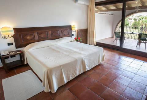 Foto HOTEL  COSTA DEI FIORI di PULA