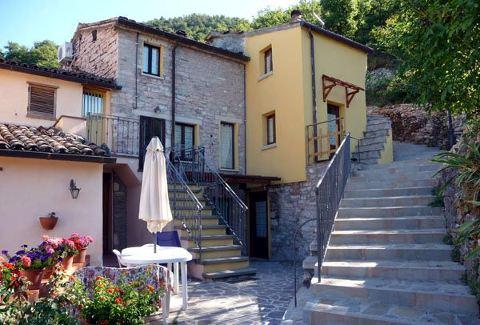 Photo APPARTAMENTI COUNTRY HOUSE IL FALCO a PIOBBICO