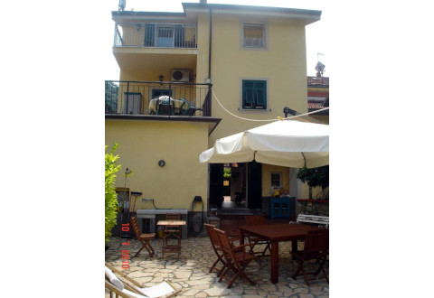 Foto B&B I GIRASOLI BED AND BREAKFAST di LERICI