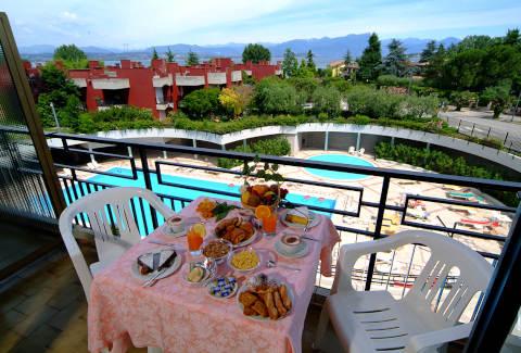 Foto HOTEL RESIDENCE  HOLIDAY di COLOMBARE DI SIRMIONE