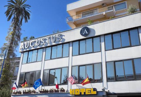 Foto HOTEL AUGUSTUS di OTTAVIANO