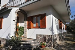 Foto B&B BED AND BREAKFAST SUNFLOWER di VICO EQUENSE
