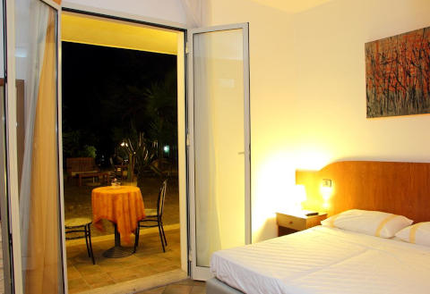 Foto HOTEL VILLA SOLES di SANTA FLAVIA