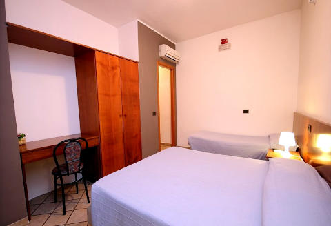 Photo HOTEL VILLA SOLES a SANTA FLAVIA