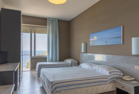 Foto HOTEL  ORSA MAGGIORE di CASTRO
