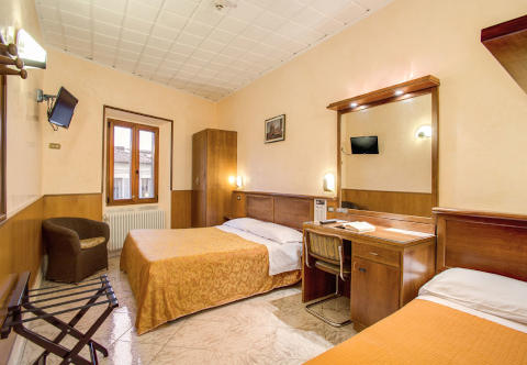 Photo HOTEL  LORENA a FIRENZE