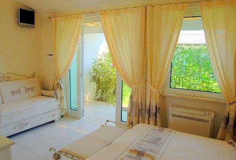 Foto HOTEL  BUDONI BEACH di BUDONI