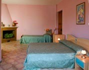 Foto HOTEL NOVELLA HOLIDAY'S di TRAMONTI