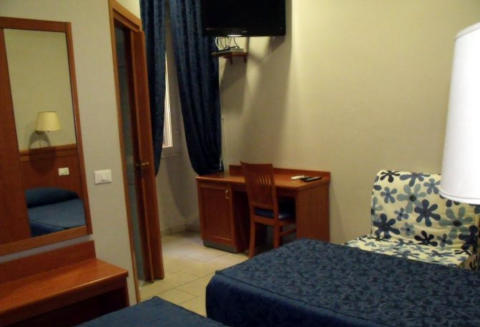 Foto AFFITTACAMERE DOMUS ROXY GUEST HOUSE di ROMA